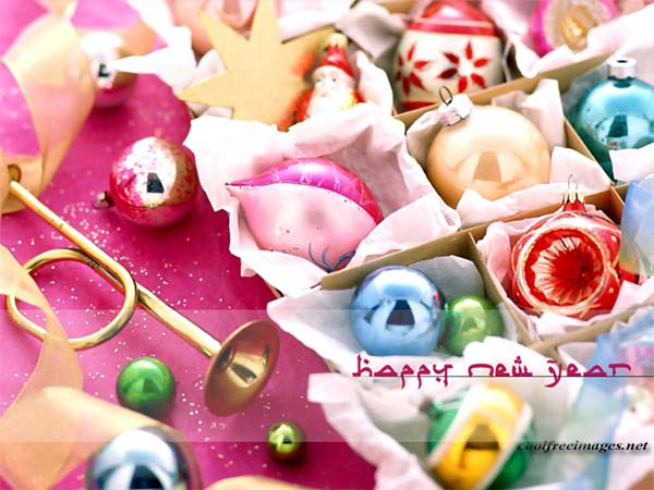 Free Orkut and My Space Happy New Year Graphics Glitters